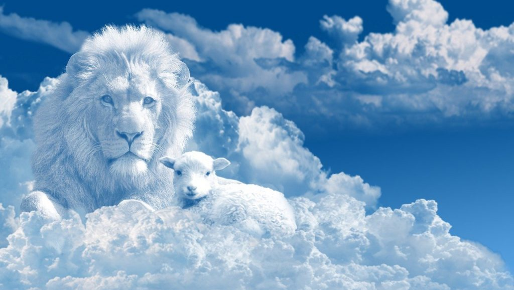 Clouds shaped as the Lion and a lamb